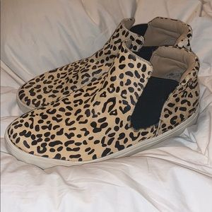 Coconut leopard Harlan high top sneaker used
